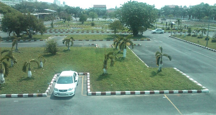 học lía xe ô tô quận Bình Thạnh