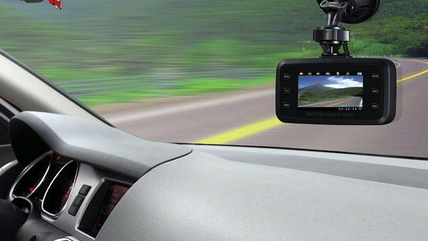Có nên gắn camera hành trình cho xe ô tô