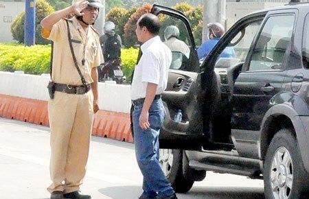 Mức phạt không có giấy phép lái xe ô tô