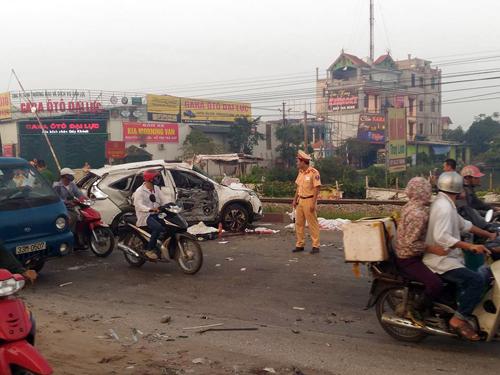 Hiện trường vụ tai nạn giao thông đường sắt