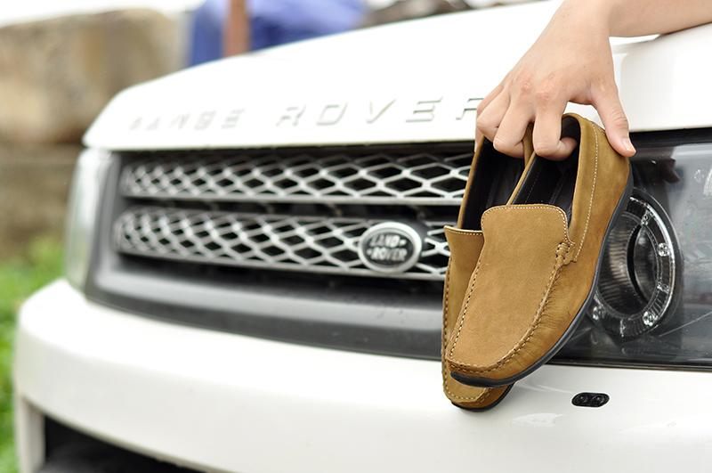 chọn giày lái xe ô tô