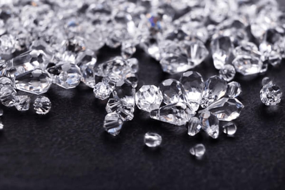 tại sao kim cương lại cứng