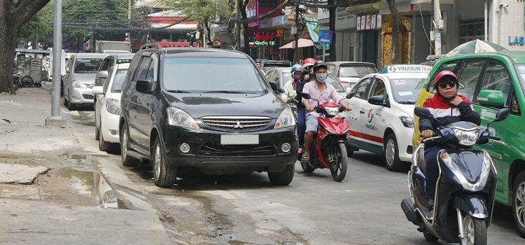 mức phạt ô tô dừng đỗ sai quy định