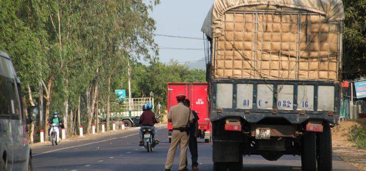 mức phạt xe tải quá chiều cao