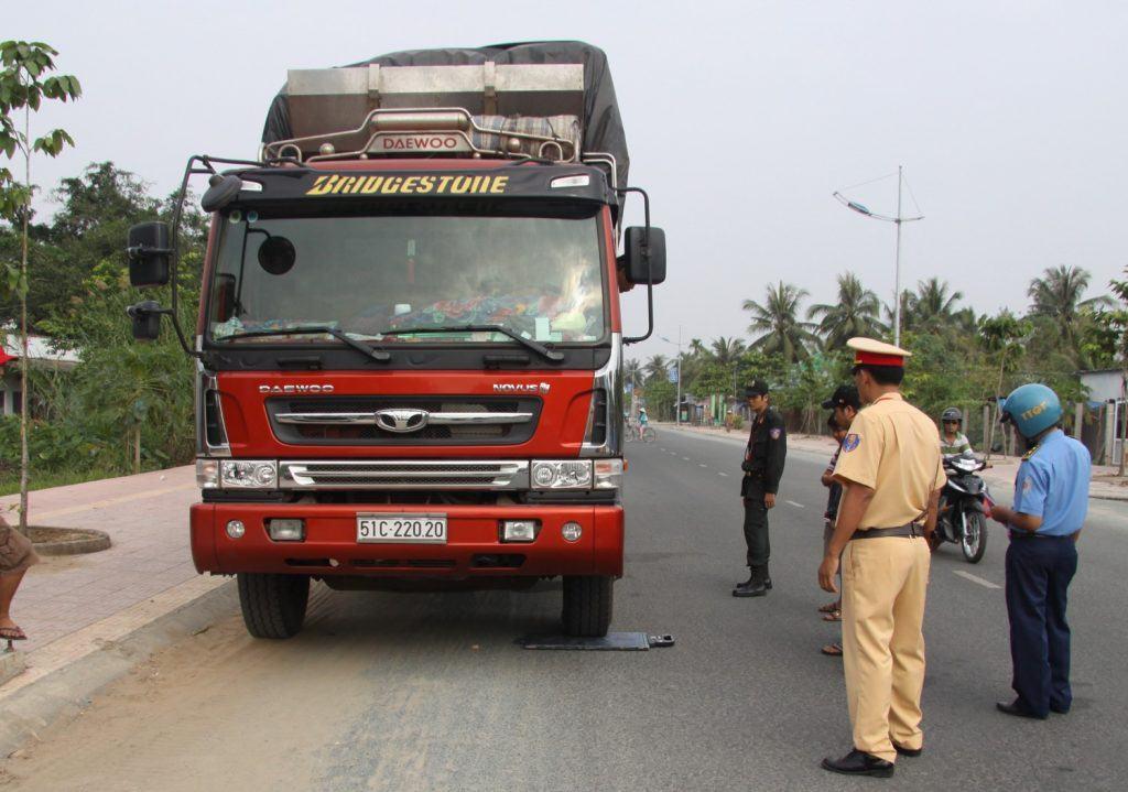 mức phạt xe tải hết hạn đăng kiểm