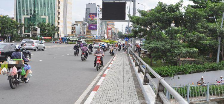 mức phạt xe máy chạy ngược chiều